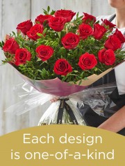18 red rose hand-tied made with deluxe roses
