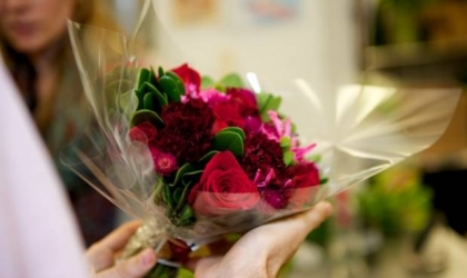 Flower Delivery in Cults - Which, When & How